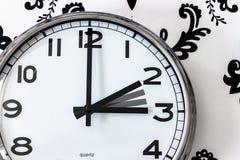 时钟用在两的手和3点 免版税库存照片