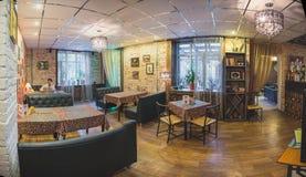 意大利式咖啡馆的内部 图库摄影
