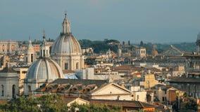 意大利罗马 与祖国的万神殿、法坛和其他著名Lanmarks的都市风景地平线在老古镇 股票录像