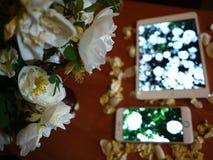 智能手机和片剂屏幕 细节,宏指令,特写镜头 免版税库存照片