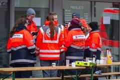 新维德,德国- 2019年2月1日:等待他们的下活动的救护车人 图库摄影