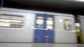 火车到达地铁车站 影视素材
