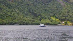 离开为远航,挪威的巡航旅游船 股票录像