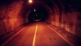 移动今后黑暗和阴沉的地下隧道 观点 影视素材