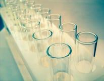 科学实验室玻璃试管,实验室设备 免版税库存图片