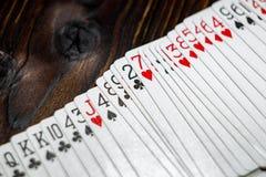 纸牌游戏表 库存照片