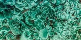 绿沸铜绿色矿物宝石纹理,绿沸铜背景,绿色背景 绿色令人惊讶的优美的自然平板  免版税库存图片