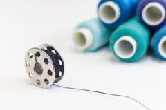 缝合的螺纹短管轴片盘和行  库存图片