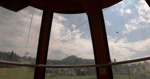 缆索铁路 客舱在山上升 影视素材