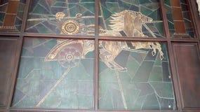 罗马运输车彩色玻璃工艺有马的 库存图片