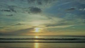 美丽如画和扣人心弦的蓝色海在普吉岛在泰国 库存照片
