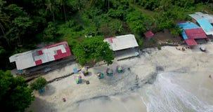 美丽的在4k录影,白色海滩的海滩鸟瞰图在巴厘岛 股票视频