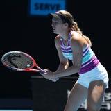 美国的职业网球球员达尼埃尔林斯行动的在她的在2019年澳网的半决赛期间 免版税库存照片