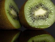 猕猴桃 投反对票 Reflectiv 片式 果子 水多 库存照片