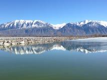 犹他湖山 库存图片