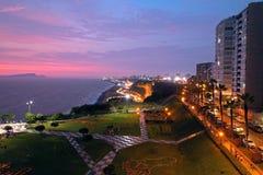 玛丽亚・赖歇公园鸟瞰图日落的与风景海景 免版税库存图片