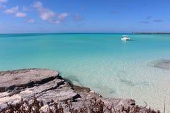 热带海滩在巴哈马的海岛 免版税图库摄影