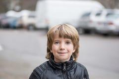 男孩纵向微笑 免版税库存照片