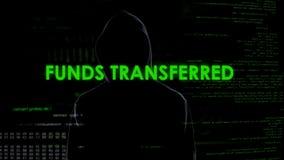 男性黑客转移的资金,金钱系统保护,网路银行错误 库存图片