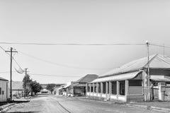 街道场面,与历史的房子,在Phillipstown 单色 免版税图库摄影