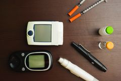 血糖试测器材 医疗保健和人概念 库存图片