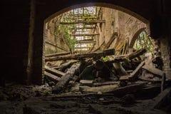 被放弃的糖工厂在马尔凯萨纳新村,意大利#9 免版税图库摄影