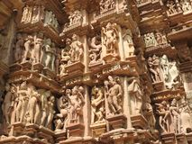 西部小组克久拉霍寺庙,联合国科教文组织遗产站点,为它的色情雕塑,印度,晴天是著名的 免版税库存图片