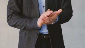 认同鼓励赞许商人拍手 影视素材