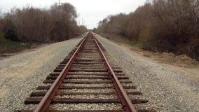 走在火车轨道 股票视频