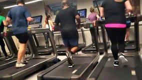 跑在慢动作的踏车 影视素材