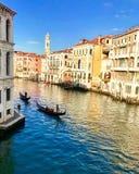 运河重创在威尼斯,意大利 免版税库存照片