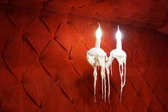 蜡烛在墙壁上的lighte 免版税库存照片