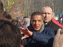 莫斯科地区,弗里亚济诺,Grebnevo庄园09 03 2009年:Samy Naceri法国参观庄园的出租汽车影片的星和演员 库存照片