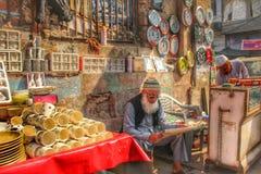 老德里,印度- 2018年1月30日:Meena义卖市场-在贾玛清真寺,老德里附近的市场 图库摄影