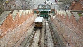 老电车,缆索铁路把乘客带对Buda小山,布达佩斯,匈牙利 影视素材