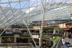 购物中心在有玻璃屋顶的华沙波兰 库存图片
