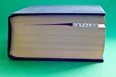 È libro con il catalogo di parola Immagini Stock