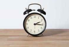È orologio passato quarto del ` di due o Fotografie Stock Libere da Diritti