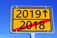 2018 è più, comincia nel 2019 fotografia stock libera da diritti
