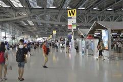 4ème étage de vue intérieure d'aéroport de Suvarnabhumi Images libres de droits