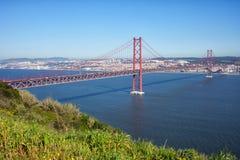 25ème de la passerelle d'avril à Lisbonne Images stock