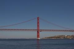 25ème de la passerelle d'avril à Lisbonne Images libres de droits