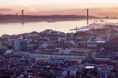 25ème de la passerelle d'avril à Lisbonne Photographie stock