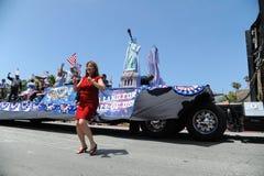 4ème du Huntington Beach CA Etats-Unis de défilé de juillet Images stock