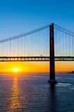 25ème du pont d'avril à l'aube Image stock