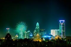 4ème du skyshow Charlotte OR de feux d'artifice de juillet Images stock