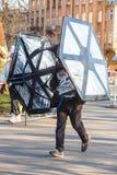 12ème Eve Race de nouvelle année à Cracovie Le fonctionnement de personnes habillé dans des costumes drôles Image libre de droits