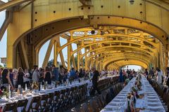 4ème ferme annuelle à bifurquer dîner 11 de pont de tour Photographie stock libre de droits