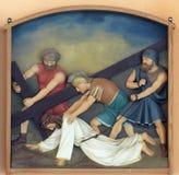 7ème Gares de la croix, automnes de Jésus la deuxième fois Photo stock