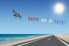 4ème heureux de la bannière et de l'avion de juillet Images stock
